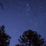 夜空にかざすとその方向の星がリアルタイムで表示される「スカイマップ」